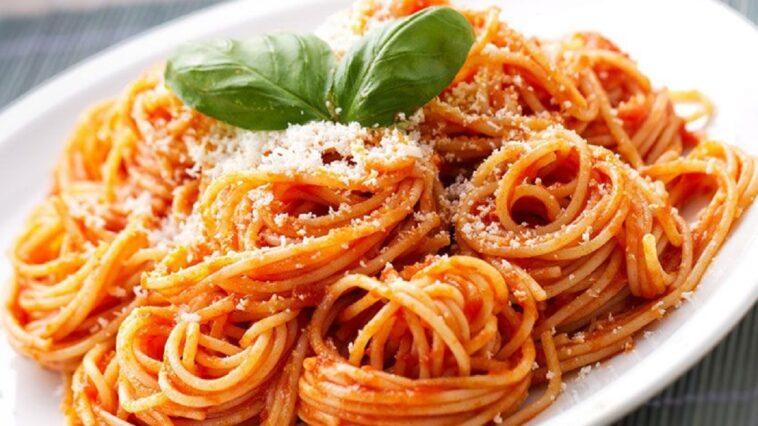 como cocinar unos ricos espaguetis a la napolitana