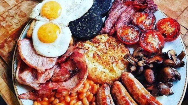 Cómo preparar un desayuno Inglés completo
