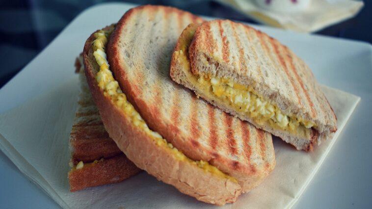 sanduich huevo