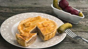 pastel picnic cerdo y queso