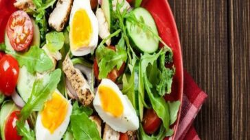 ensalada pollo huevo