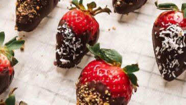 Cómo preparar fresas bañadas en chocolate