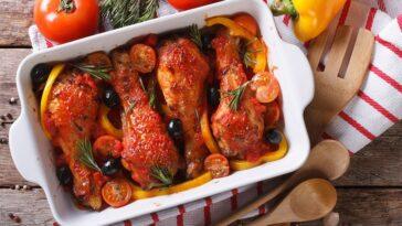 Bandeja de pollo con chorizo y pimientos: un plato delicioso