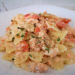 Cómo preparar pasta cremosa con salmón