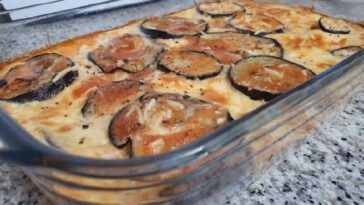 Pastel de berenjena, tomate y halloumi: receta deliciosa