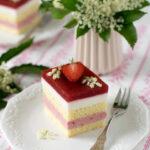 pastel fresas con flor de saúco