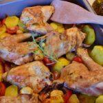 Cómo preparar una bandeja de pollo y patatas al horno