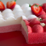 Marquesa de chocolate blanco y fresas: postre fácil de hacer