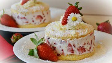 Prepara una tarta de fresa y canela
