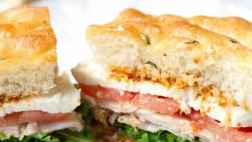 sándwich focaccia al pesto