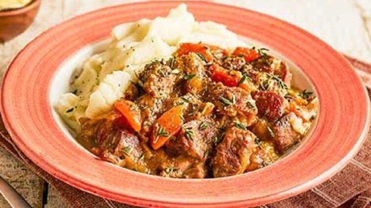 Cazuela de cerdo de cocción lenta: receta fácil y deliciosa