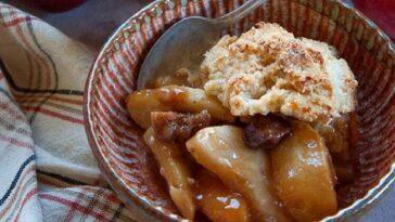 crumble de manzana y caramelo al horno