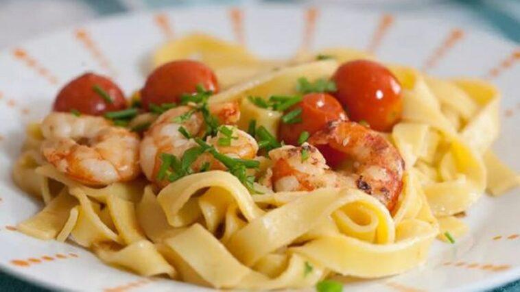 Espaguetis de tomate cherry asado con estragón: receta perfecta