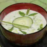 Gazpacho verde con pepino y aguacate: fresco, ligero y aromático
