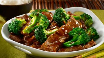 Tiras de ternera con brócoli: un segundo plato ligero y sabroso