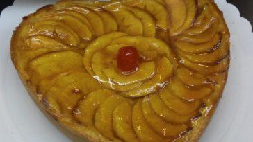 Tarta de corazón de manzana: postre para cualquier ocasión